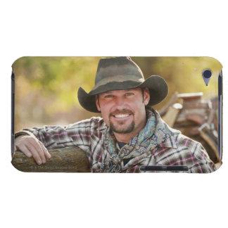 Vaquero que se inclina en la cerca Case-Mate iPod touch coberturas