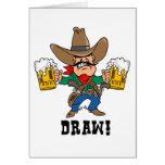 Vaquero que sostiene las tazas de cerveza tarjetas
