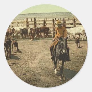 Vaqueros y vacas pegatina redonda