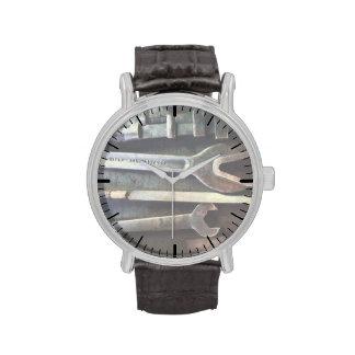 Varias llaves relojes de pulsera