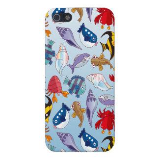 Variedad colorida de pescados iPhone 5 carcasa