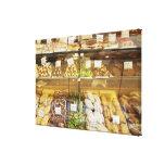 Variedad de galletas en vitrina impresión en lienzo estirada