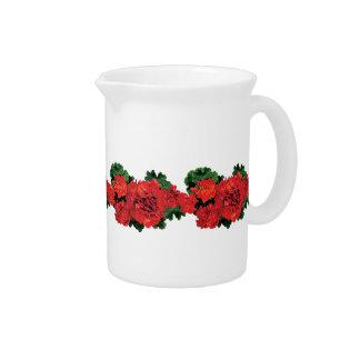 Varios geranios rojos jarras para bebida