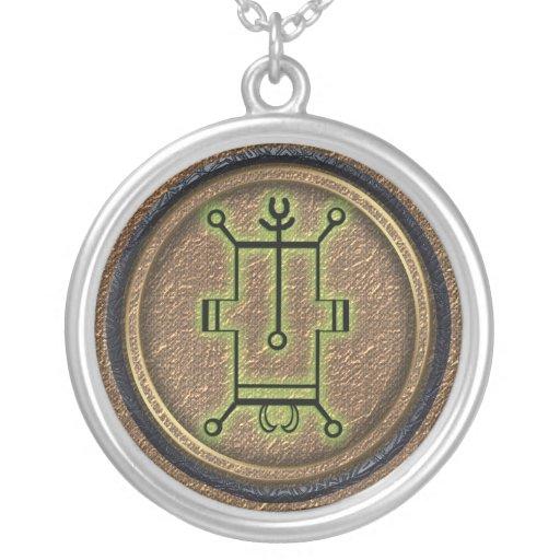 vassago round pendant necklace