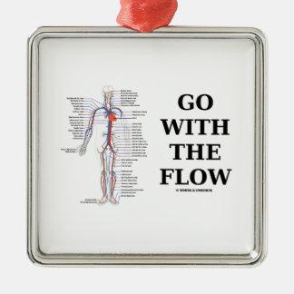 Vaya con el flujo (el sistema circulatorio) adorno cuadrado plateado