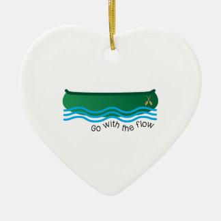 Vaya con flujo adorno de cerámica en forma de corazón