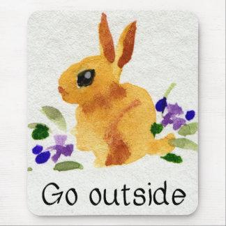 Vaya fuera de poco conejo de conejito marrón alfombrillas de ratones