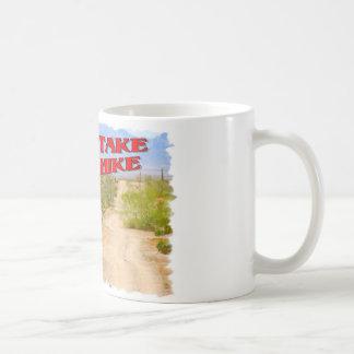 Vaya toman un alza taza de café