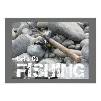 ¡Vayamos a pescar! Invitación del viaje de pesca d