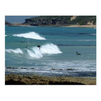 ¡Vayamos a practicar surf! Postal