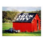 Vea el granero de la ciudad de la roca tarjeta postal