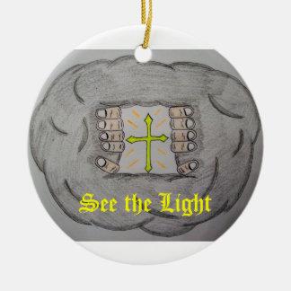 Vea el ornamento ligero adorno navideño redondo de cerámica
