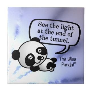 Vea la luz en el extremo del túnel azulejo cerámica