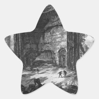Vea los restos de fábricas en la segunda planta pegatina en forma de estrella