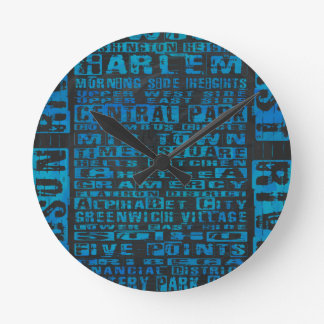 Vecindades de NYC azules Reloj Redondo Mediano