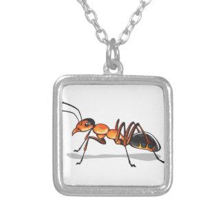 Vector de la hormiga collar plateado