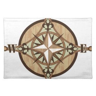 Vector de madera del compás mantel individual