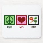 Vegano del amor de la paz alfombrillas de raton