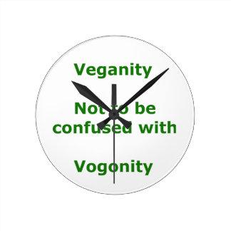 Veganos y Vogons Reloj Redondo Mediano