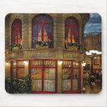 Vegas - Paris - Le Cafe Mousepads