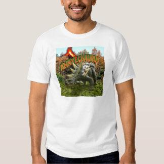 Vegetación y volcán del parque del dinosaurio del camisas