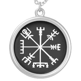 Vegvísir Viking Compass Pendant
