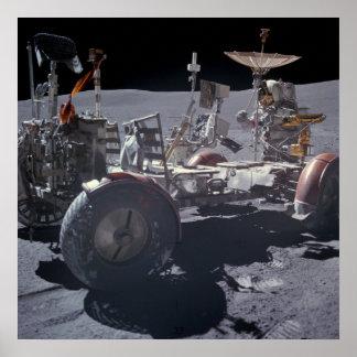 Vehículo de vagueación lunar de Apolo 16 Poster