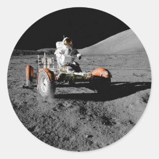 Vehículo de vagueación lunar de la NASA Apolo 17 Pegatina Redonda