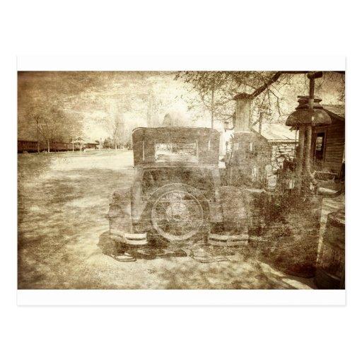 Vehículo del vintage que para el gas postales