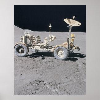 Vehículo lunar posters