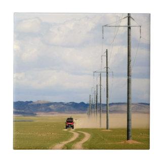 vehículos 4X4 en el camino de tierra, desierto de Azulejo Cuadrado Pequeño