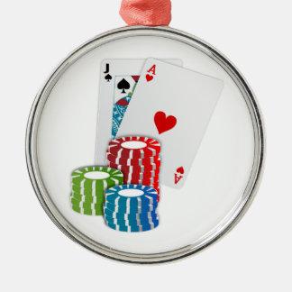 Veintiuna con las fichas de póker adorno navideño redondo de metal