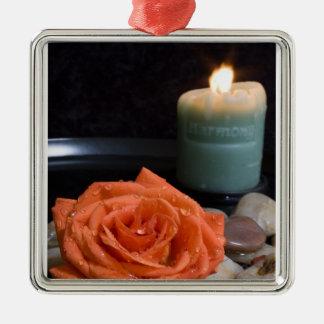 Vela color de rosa y de la armonía anaranjada ornamentos de reyes