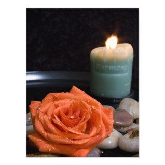 Vela color de rosa y de la armonía anaranjada foto