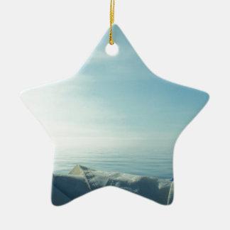 Vela cuidadosamente formada escamas adorno navideño de cerámica en forma de estrella