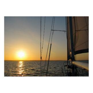 Vela de la puesta del sol tarjetas de visita grandes