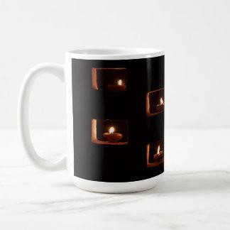 Velas ardientes de tazas del personalizado
