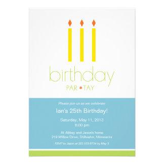 Velas de cumpleaños de invitación de la fiesta