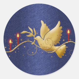 Velas de la paz de la paloma del navidad del oro pegatina redonda