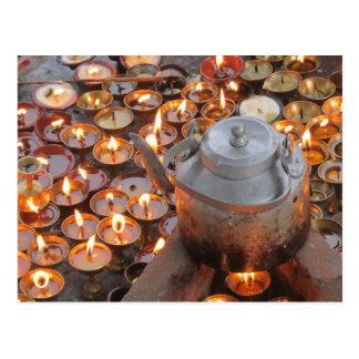 Velas en Boudha Stupa Postales