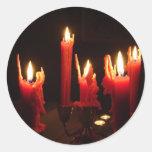 Velas fantasmagóricas en la oscuridad pegatina redonda
