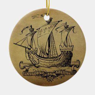 Velero antiguo adorno navideño redondo de cerámica