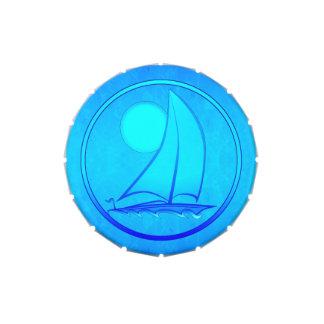 Velero del azul de océano latas de dulces