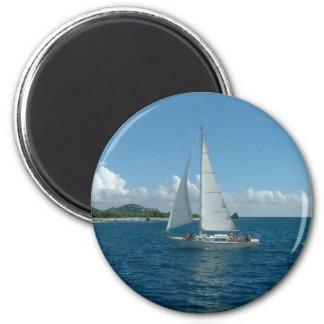 ¡Velero del Caribe, estaría navegando bastante! Imán Redondo 5 Cm