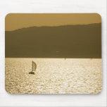 Velero en el mar Mediterráneo Alfombrilla De Raton