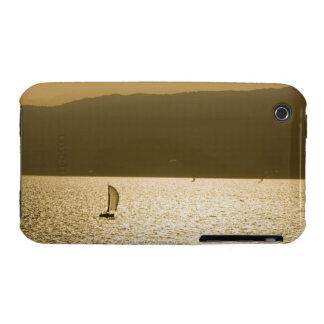 Velero en el mar Mediterráneo iPhone 3 Protectores