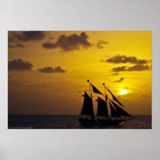 Velero en la puesta del sol Key West Póster