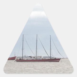 Velero Masted tres inusuales Pegatina Triangular