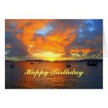 Veleros del feliz cumpleaños en la puesta del sol  tarjetón