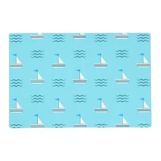 Veleros en el modelo azul del mar tapete individual